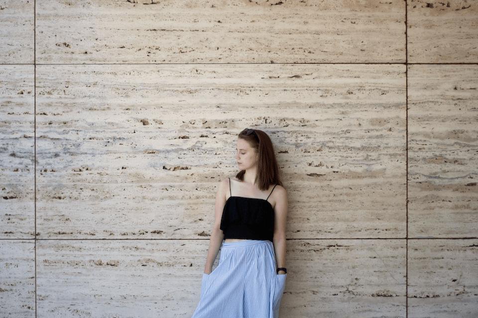 ootd, Barcelona, travel, Barcelona Paviljon, Burberry, H&M, black, blue, white