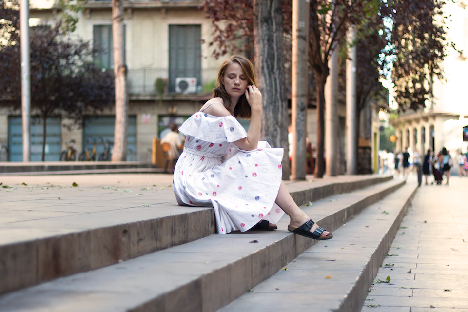 ootd, Barcelona, Thank God It's, Vika Gazinskaya, dress, & Other Stories, dots